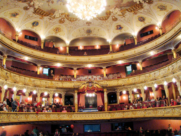 Wiesbade Theater